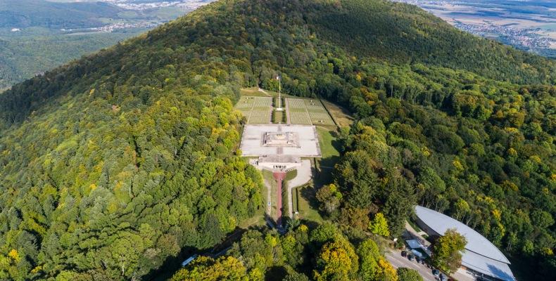 Luftansicht der Gedenkstätte am HWK